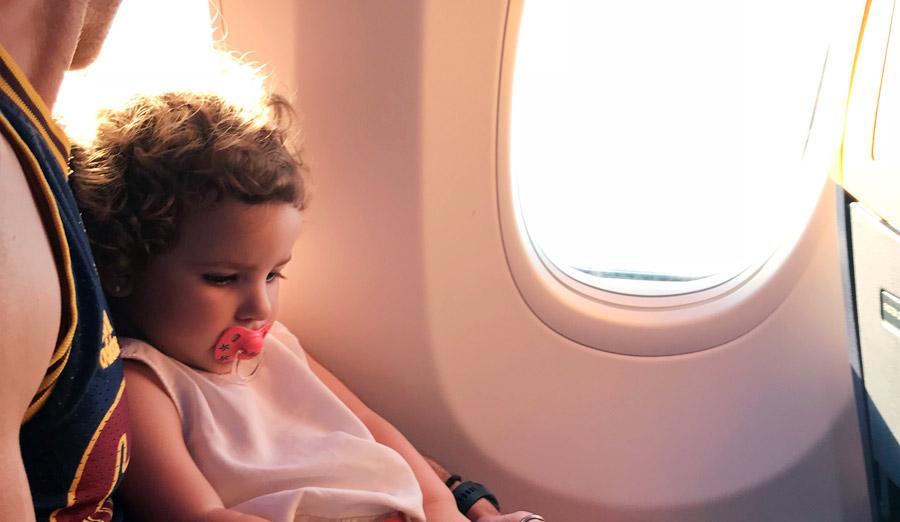 viajar con bebes en Ryanair